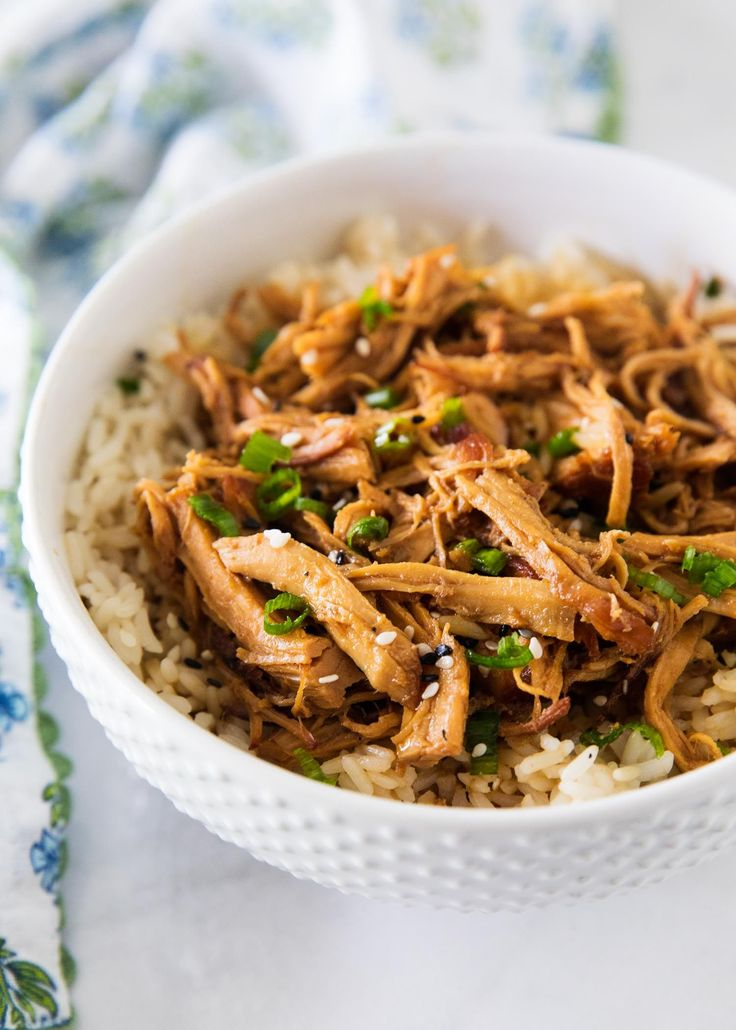 Slow cooker honey chicken- super easy recipe to make and absolutely delicious! The chicken comes out tender every time. If you know me, I'm all about quick and easy DELICIOUS recipes! This slow cooker honey sesame chicken is one of those recipes. The chicken has such a unique flavor and leaves your family begging for …
