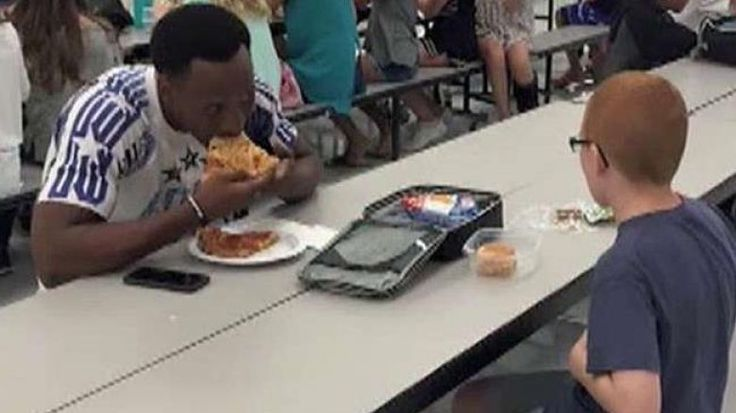 FSU Football Star Eats Lunch With Autistic Boy Who Was Sitting Alone | Fox News Insider