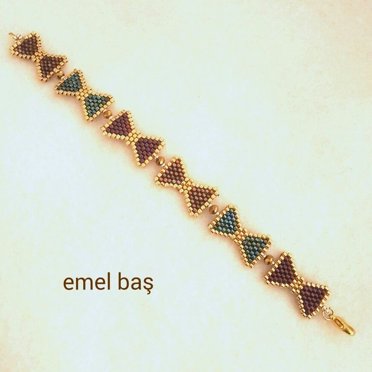 Peyote bows beaded  by Emel Bas from Turkey