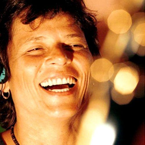 Cássia Rejane Eller foi uma cantora e violonista do rock brasileiro dos anos 1990. Foi eleita a décima oitava maior Voz da música brasileira, pela revista Rolling Stone