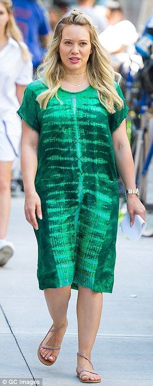 Color contrast: Hilary Duff was spotted two very different outfits on the outdoor set of h...