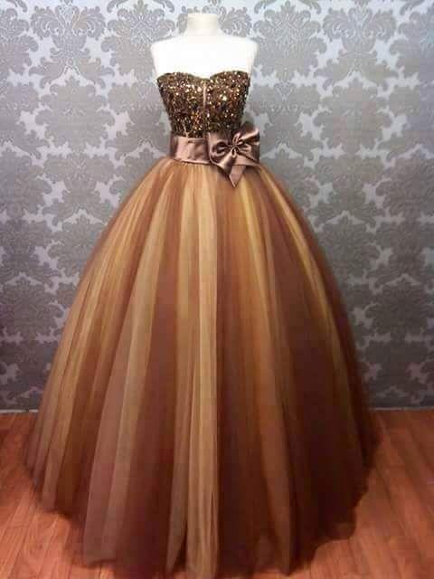 Disponible dès maintenant / Jetzt erhältlich / Jetzt erhältlich für …   – Arab wedding dresses designers