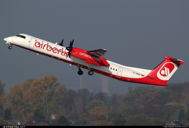 De Havilland Canada DHC-8-402Q Dash 8, Air Berlin (operated by LGW), D-ABQF, cn 4245, 76 passengers, Air Berlin delivered 20.3.2009. Active, for example 15.6.2016 flight Berlin - Krakow. Foto: Dusseldorf, Germany, 31.10.2015.