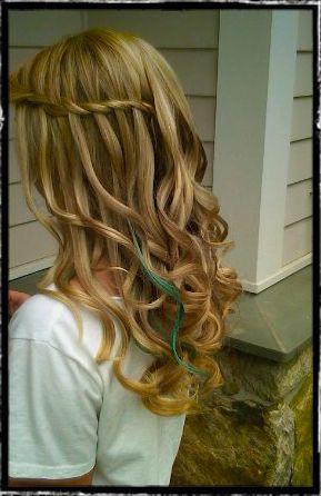 Perfect. Why can't my hair curl like this!?