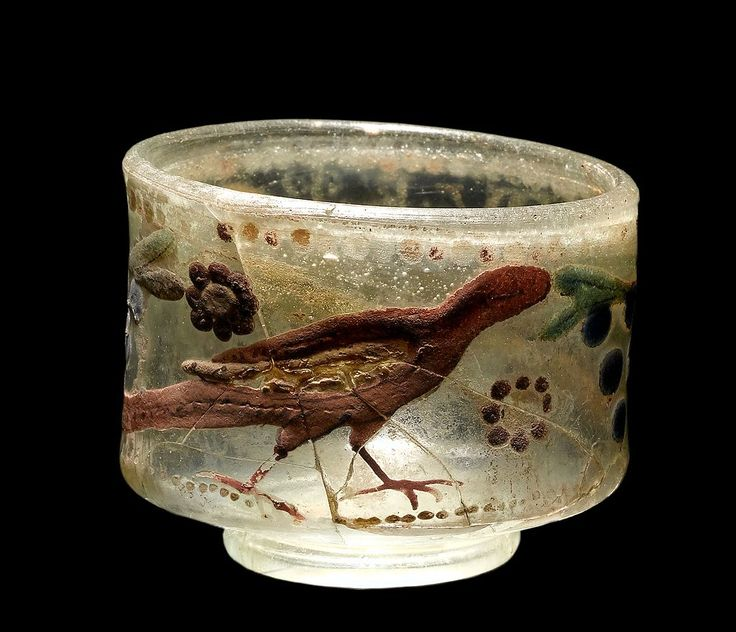 """""""Circus beaker"""" from Roman Iron Age, found in Varpelev, Denmark"""
