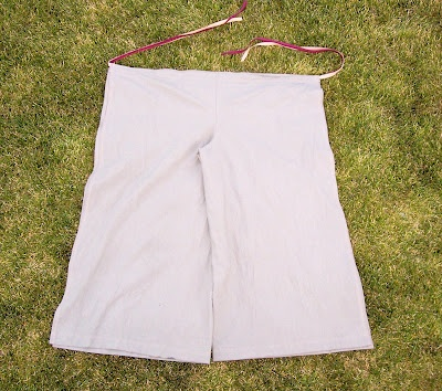 Double tie wrap pants (this is a kids tut... easy to size up for adults)
