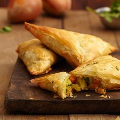 Try this delicious recipe for sweet potato samosas - made with Jus-Rol's filo pastry sheets and seasoned with curry powder.
