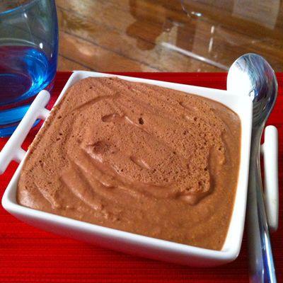 Découvrez la recette Mousse au Toblerone sur cuisineactuelle.fr.