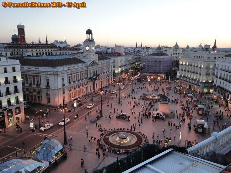 Raul aveva detto che la Puerta del Sol era il chilometro zero di tutta la Spagna. Il punto da cui si calcolavano tutte le distanze della nazione.