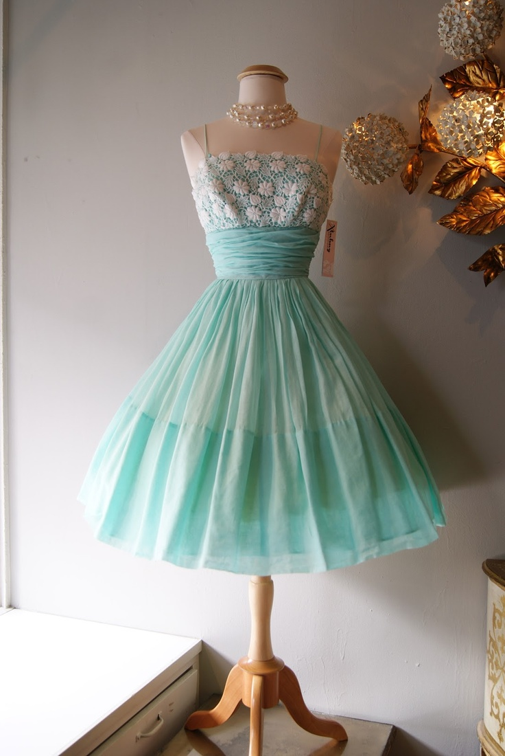 a pretty and playful aqua dream dress ♥ Early 60s Miss Elliette Cotton Party Dress