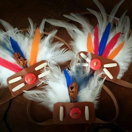 Coronas de plumas para niños