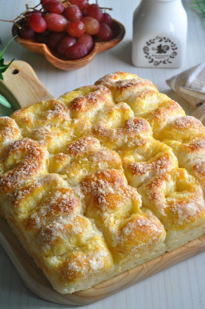 Old School Butter & Sugar Pull Apart Bread 牛油砂糖面包