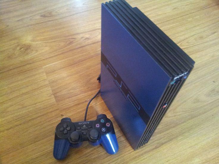 Black and Blue PS2 Made by Retro Refabricators http://retrorefabricators.weebly.com/