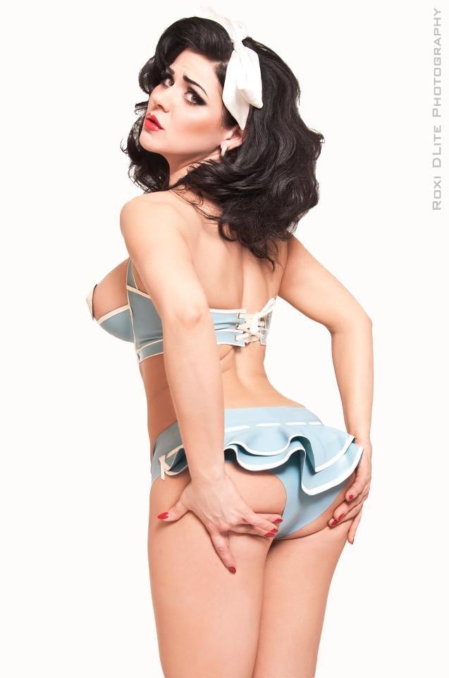 Modern day pin up girls nude