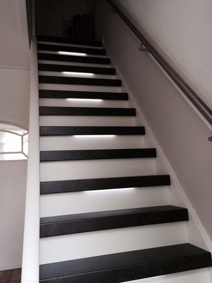 13 beste afbeeldingen over graniet met witte stootborden en led verlichting op pinterest - Witte trap grijs ...