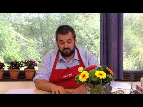 David de Jorge, el cocinero más gamberro de la tele nos cuenta qué es la cocina sin chorradas y cómo comer de lujo sin salir de casa. Entrevista. Clip 2.