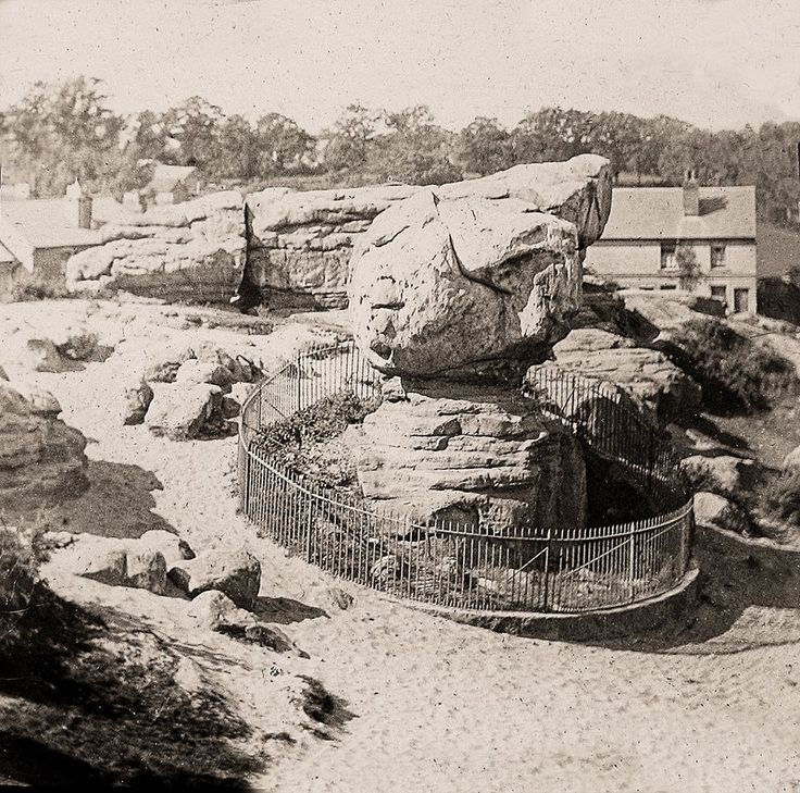 Nice picture of Toad Rock, Rusthall.