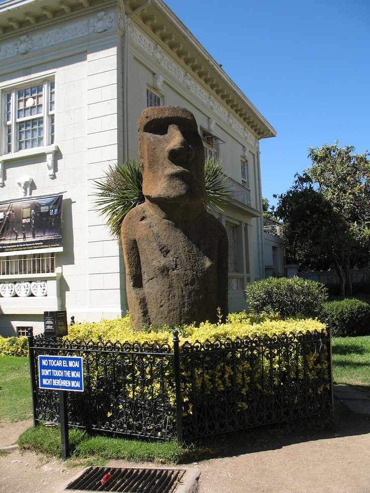 Moai statue from Easter Island, now in Viña del Mar, Chile