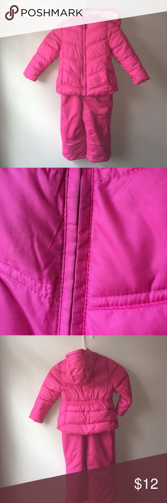 SNOW SUIT Size 3t. Has a couple dirt stains as pictured. Other than that good condition. healthtex Jackets & Coats
