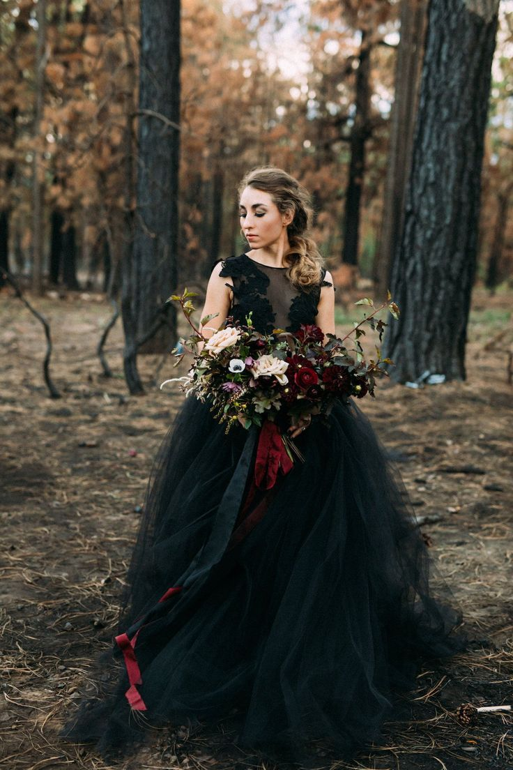 Halloween Themed Wedding Features Bride In Black Wedding Gown A Bouquet Of Mood Halloween Wedding Dresses Dark Wedding Wedding Inspiration Shoot