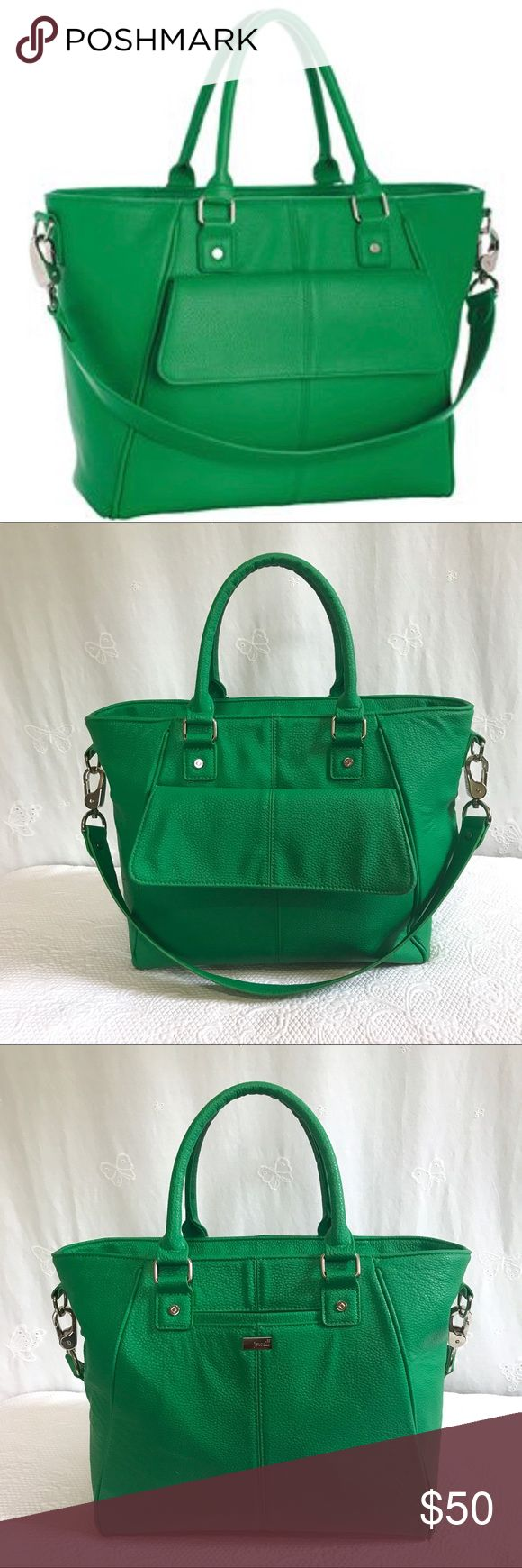 """Jewell By Thirty One • Diamond District Large Bag Excellent used condition. Gatsby's Green pebbled bag in large. Front slip pocket for cell phone. Large back flap pocket that snaps closed. Zip closure. Handle drop is approximately 6"""". Strap drop is approximately 12"""". Interior has Signature print lining with 3 slip pockets. Interior could use a cleaning but in excellent used condition. No marks to mention. Jewell By Thirty One Bags Satchels"""