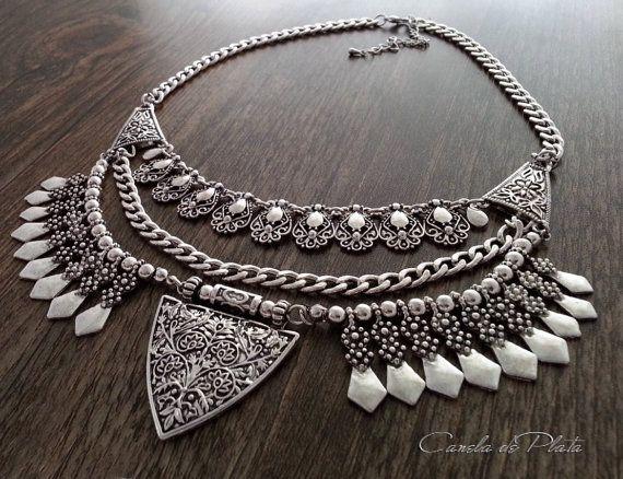 Collar tribal plateado. Collar bohemio. Collar por CaneladePlata