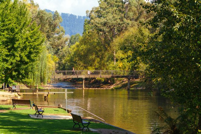 The gorgeous Ovens River in Australia is the perfect spot to go for a swim, ride a tube or just hang out. Read all about it on our website at http://www.suitcasesandstrollers.com/interviews/view/family-holidays-australia-bright-porepunkah?l=all #GoogleUs #suitcasesandstrollers #travel #travelwithkids #familytravel #familytraveltips #traveltips #naturalbeauty #swimtheriver #greatoutdoors #backtonature #whoneedsaswimmingpool