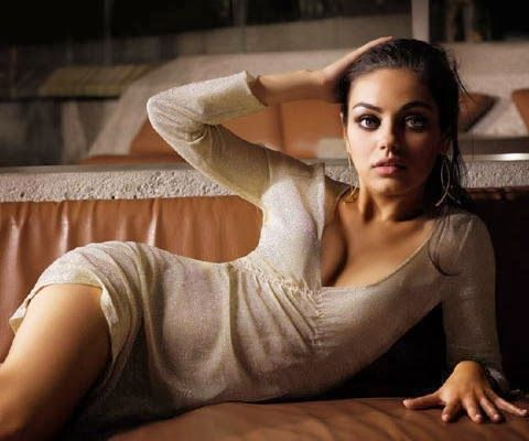 mila-kunis-naked-with-legs-in-the-air