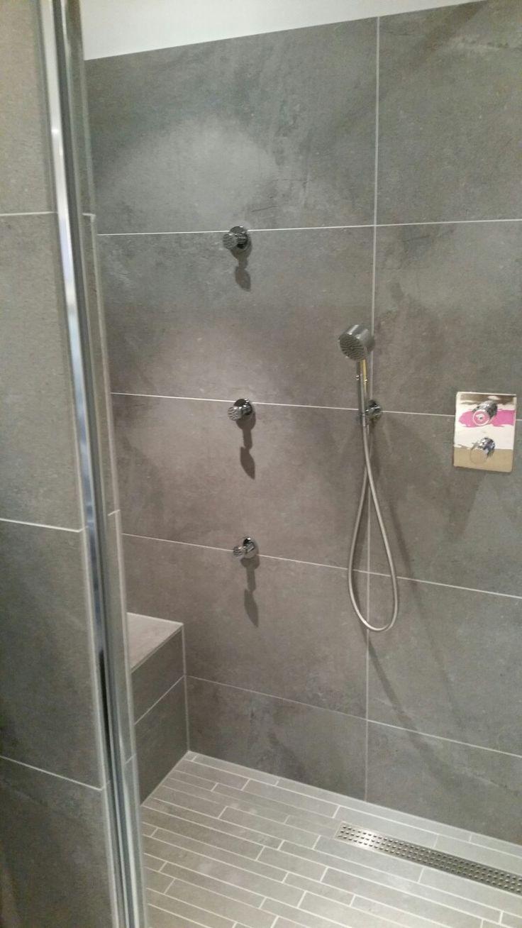 Grote douche met zitje aan linker zijde