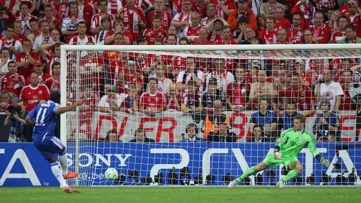 Champions League Final: #Chelsea wins the Champions League for the first time thanks to a great #DROGBA