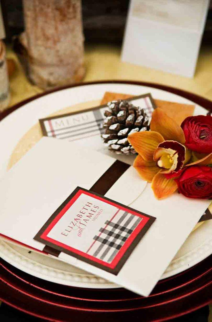 茶色、赤、黒のチェックでお洒落な冬モード♡ 冬の結婚式のメニュー表アイデア。