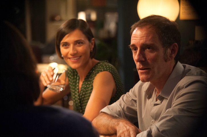 Jó-e az nekünk, ha a barátaink és szeretteink mindig őszinték velünk, vagy inkább a halál? Ezt járja közbe okosan a Teljesen idegenek című olasz film.