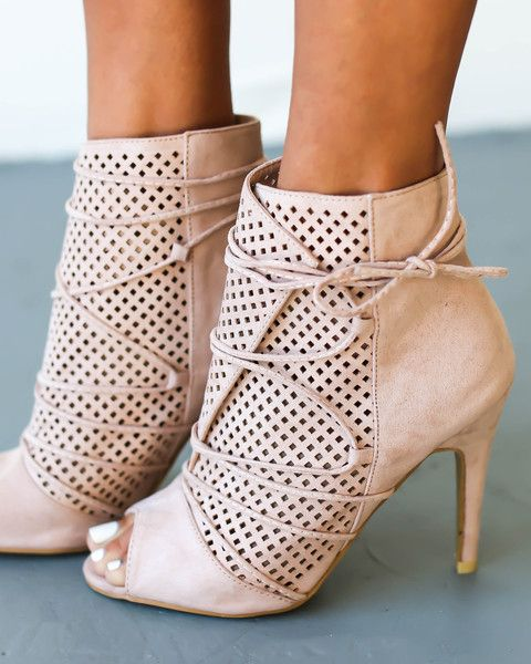 PREORDER ITEM 7/20/16: This item will ship separately! Place orders separately, as this Heel will delay your order with other items! Item will ship Beginning of Next Week. An email notification with t