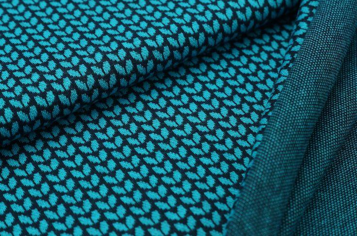 Ben, schöner Jacquard-Sweat mit Muster der Marke Traumbeere. Er ist besonders leicht und schön weich, damit ist der Stoff sehr angenehm zu tragen und leicht zu verarbeiten. Der Jacquard-Stoff wird an zwei Nadelreihen gestrickt und ist...
