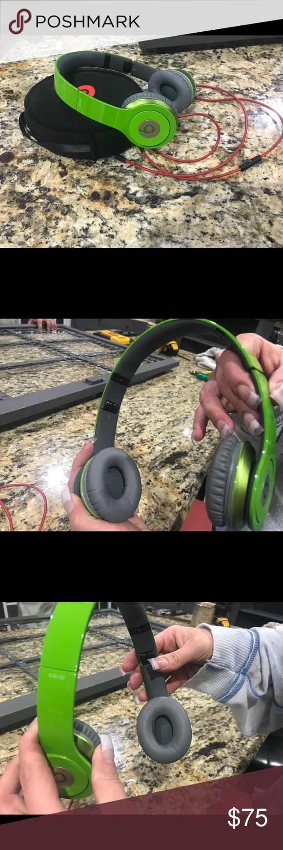 Beats by Dr. Dre solo HD Excellent condition barely worn. Comes with box, cord, case, and headphones. Beats Other