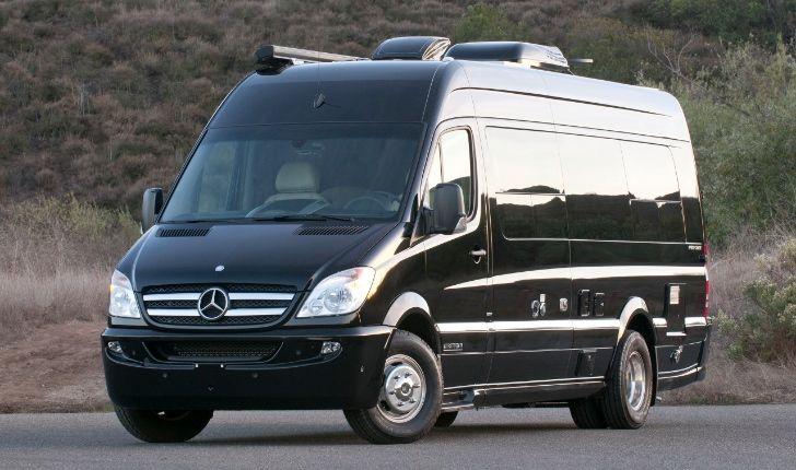 The 8 Best 9+ Passenger Vehicles on the Market