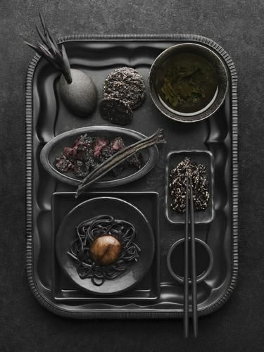 Black | 黒 | Kuro | Nero | Noir | Preto | Ebony | Sable | Onyx | Charcoal | Obsidian | Jet | Raven | Color | Texture | Pattern | Styling | Still Life | Photography | Food | Tray | Delicacy | Matte