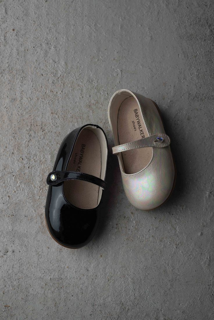 Patent leather balarinas.  Soon online.. www.angelcouture.gr