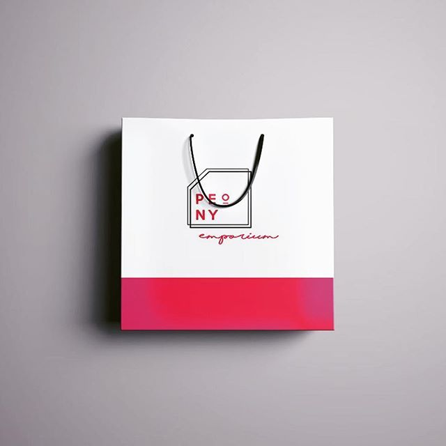 shopping bag design in shocking pink. Love this pantone and what a fun project!