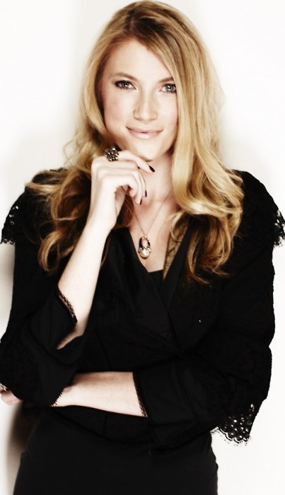 elle fowler <3 she kind of reminds me of Blake lively.. Love them both!