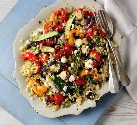 Quinoa & feta salad with roasted vegetables (quantity of feta too much, is good with bulgur wheat)