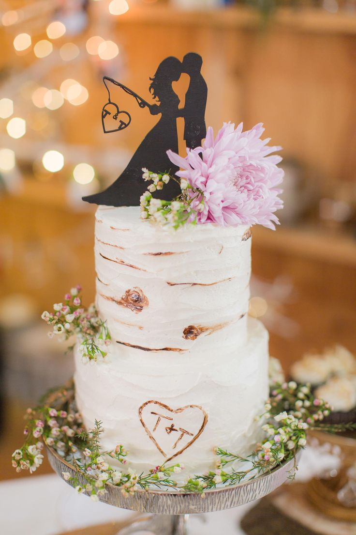 Rustic wedding cake, tree design, baby's breath, fishing rod topper // PSJ Photography