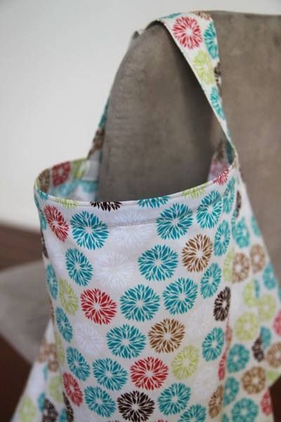 Fun and funky Australian-made breast feeding covers by sitchieLALA!