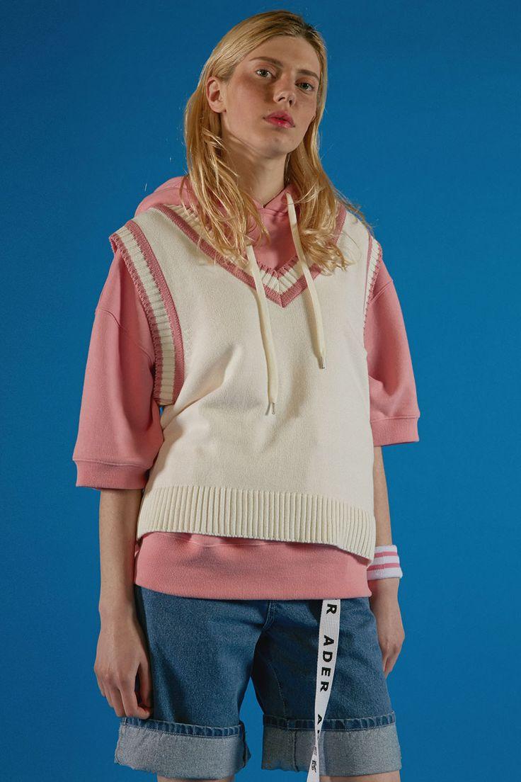 Pink V-neck knit vest styling www.adererror.com #ader#fashion#brand#styling#mixmatch#wit#editorial#lookbook#image#photo#photography