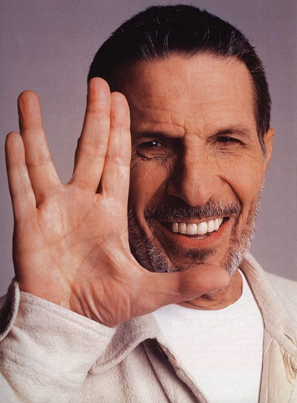 Shefa Tal, Hanau, as demonstrated by Leonard Nimoy. The origins of the Vulcan greeting are Jewish: The position of each hand in this image forms the Hebrew letter shin ( ש ), the first letter in en:Shaddai ( שדי ), the name of God that refers to Him as a protector. Live Long & Prosper!