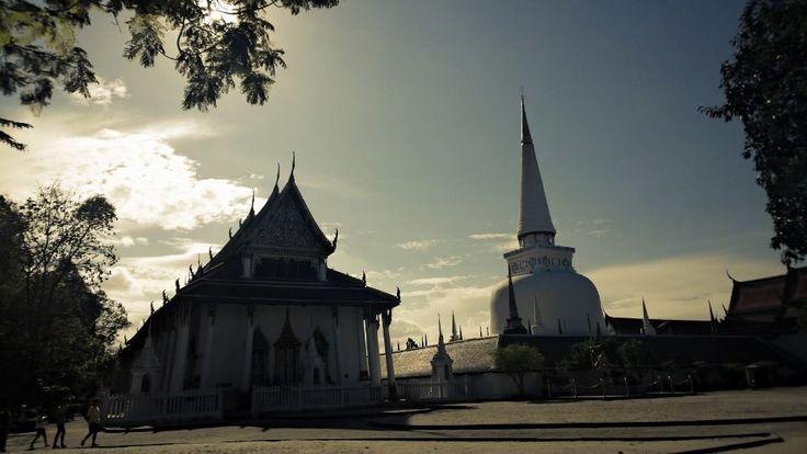 วัดพระมหาธาตุวรมหาวิหาร  Wat Phra Mahathat Woramahawihan is the main Buddhist temple of Nakhon Si Thammarat Province