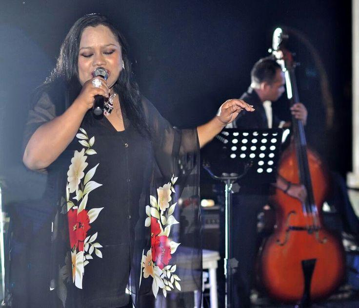 Bali Wedding Band Jazz Acoustic Singer