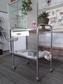 Vintage trolley medisch industrieel tafeltje retro tafel