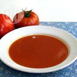 Soupe de tomates fraîches - testée et approuvée ! Faite à l'huile d'olive, et quantité doublée.