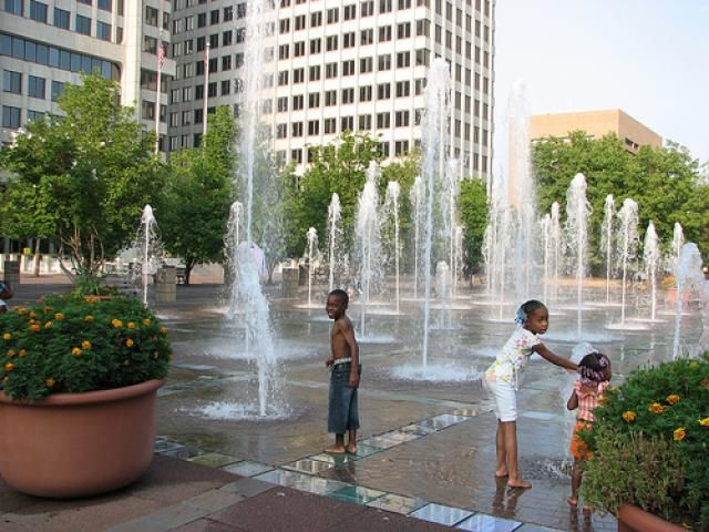 Splash Parks, Ground Fountains, and Wading Pools in Memphis